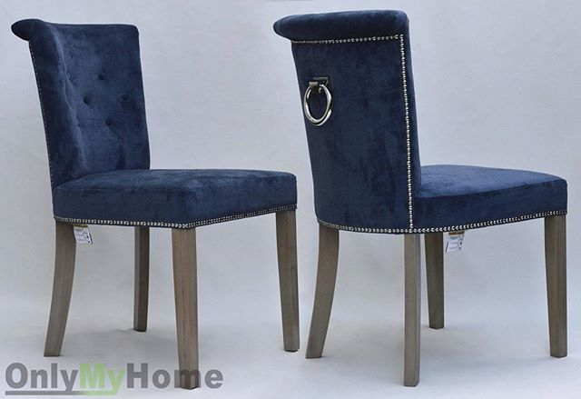 Na zdjęciu Krzesło Largo przyozdobione tasiemką pineskową oraz kołatką.  ____________________________ #Krzesło #Largo #krzeslolargo #wygodne #pineski #kołatka #tapicerowane #wygodne #stylowe #oryginalne #modnewnętrze #stylowewnetrze #foryou #design #inspiration #house #homedecor #instahome #instachair #chair #onlymyhome @onlymyhome.pl