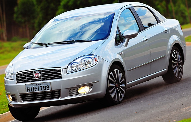 Fiat's Linea T-Jet debuts in India!