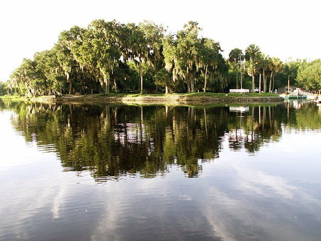 Hontoon Island State Park – DeLand | Best Campgrounds in Florida | Best Places To Go For Camping | Outdoor Activities by Survival Life at http://survivallife.com/best-campgrounds-in-florida/