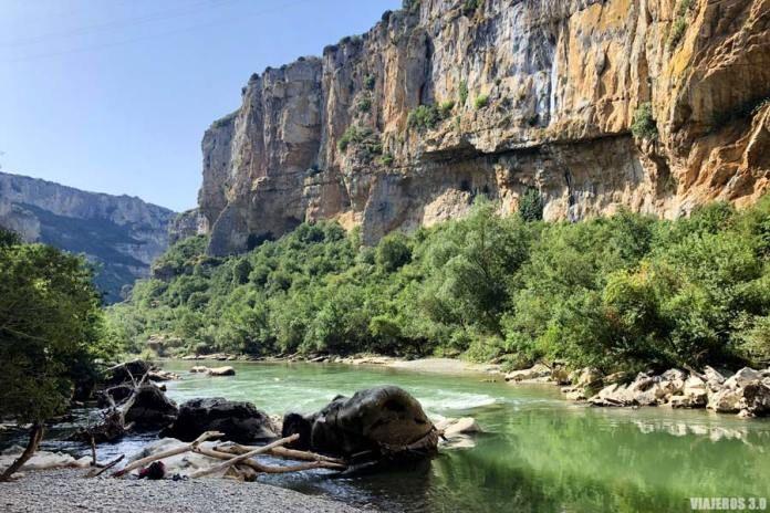 Ruta Por La Foz De Lumbier El Tesoro Escondido De Navarra Rutas De Senderismo Rutas Lugares Increibles