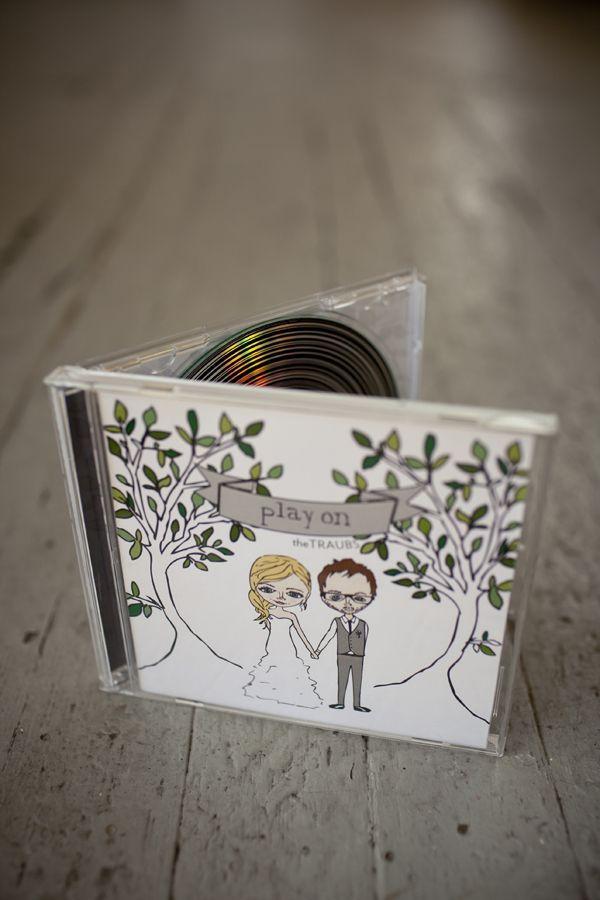 Un dvd con las canciones de la boda en este original souvenir para casamientos