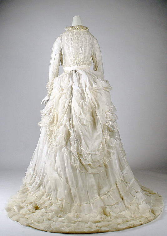http://www.pinterest.com/mareenzieschang/pins/ Dress 1875, American, Made of cotton