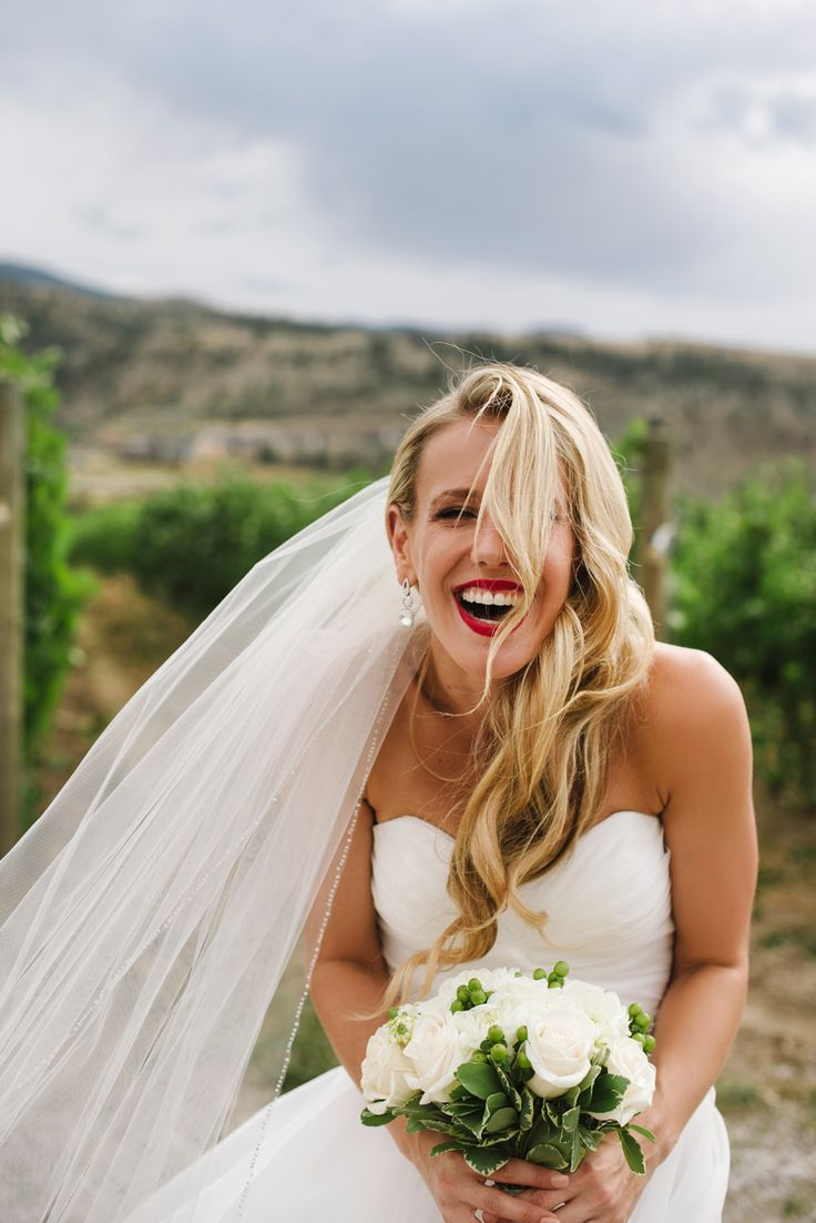 #harperstrail #outdoor #beautiful #classic #wedding #photography #love #rozalindewashinaphotography #laugh #realmoments #beautiful