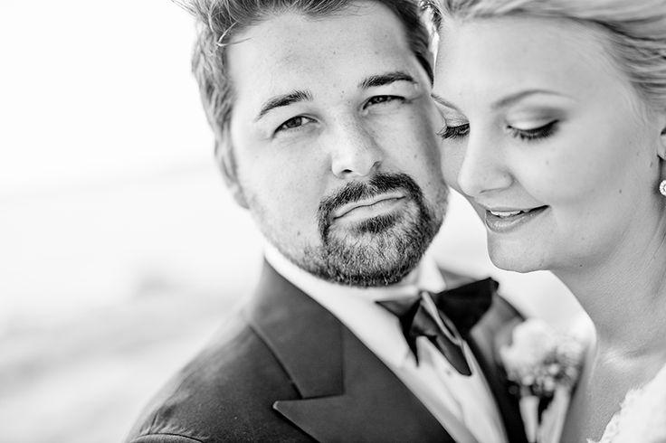 Photo by: www.dayfotografi.se Wedding, bröllop, love, weddinghair, weddingphotos, bröllopsfoton, bröllopsfotograf, dayfotografi, weddingdress, bröllopsklänning, groom