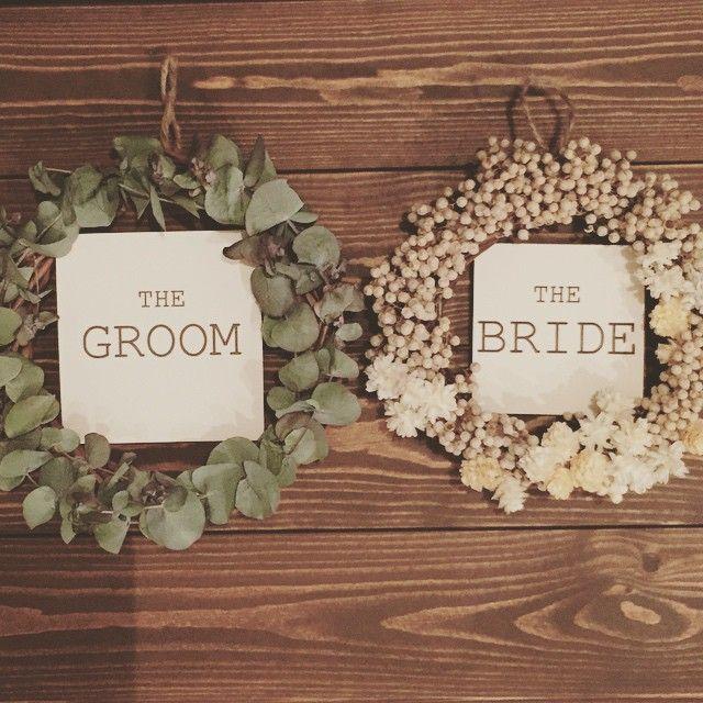 席札* 前撮りに使うアイテム作ってます* 終わったら、席札として高砂に置くか、イスにかけられたらいいな〜と考え中…・*:.。. .。.:*・゜ #結婚式準備#リース#ドライフラワーリース#新郎新婦席札