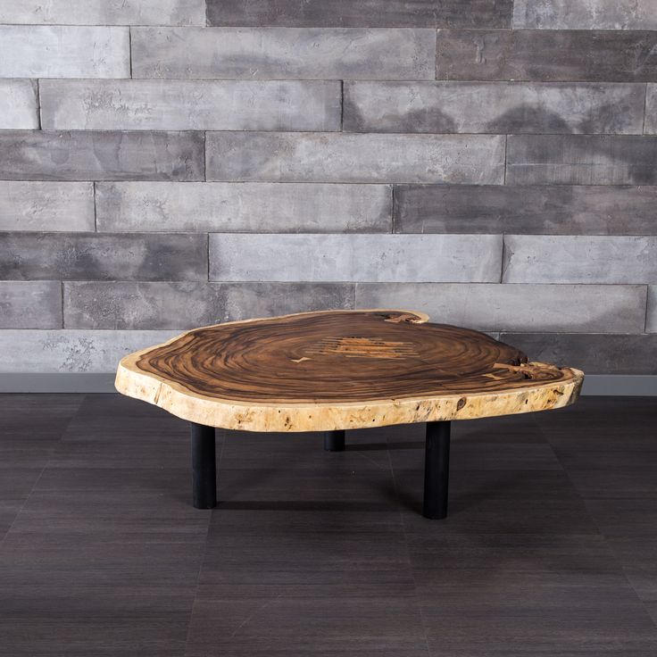 Freeform suar wood coffee table with metal legs l i v i for Meuble artemano
