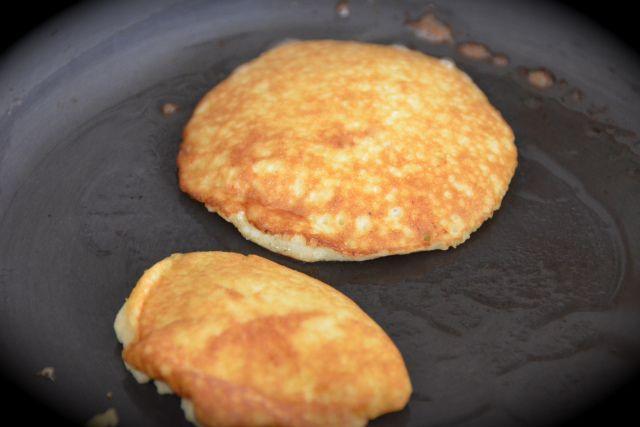 Two Ingredient Pancakes ( eggs, banana)