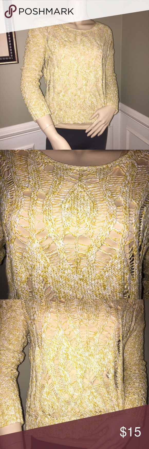 ❄️ American Eagle Yellow and White Marbled Knit Part of Winter Clearance Sale! Great condition and perfect for spring! Toss a contrasting cami underneath with distressed ankle jeans and Sperrys and you have yourself an adorable and comfy outfit. Bundle and save ☀️ American Eagle Outfitters Sweaters Crew & Scoop Necks