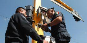 Realiza Comisaría de Vialidad mantenimiento a 233 semáforos de la capital