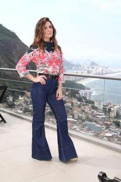 """Antes de começar a gravar a novela """"Sol Nascente"""", da Globo, Giovanna Antonelli exibiu o novo visual... - AgNews"""