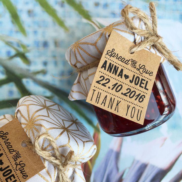 Wedding bonbonniere / wedding favours / wedding reception / wedding styling / mini jam jars  Made by sweettillyflint.com