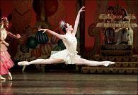 danza clásica, también conocida como ballet, es un tipo de danza que cuenta con distintas técnicas y movimientos específicos. Ballet es, además, el nombre que permite hacer referencia a la pieza musical compuesta para ser interpretada a través de la danza.