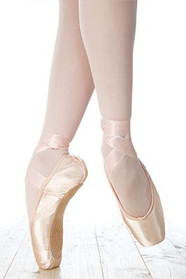 Nova incorporates several advances in pointe technology, along with design innovations requested by today's dancers. New glue gives enhanced flexibility while making the shoe exceptionally lightweight