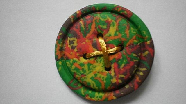 декоративная пуговица из пластики