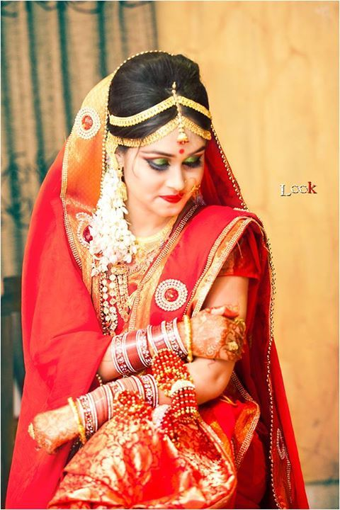 The Bride In Red Katan Silk Sharee Holud Mehendi And