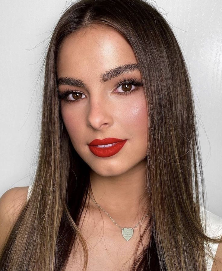 Addison Rae in 2020 Girls makeup, Natural makeup looks