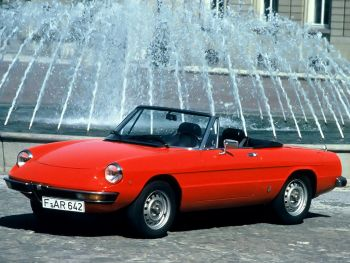 Alfa Romeo Spider Junior (105) '1974–77