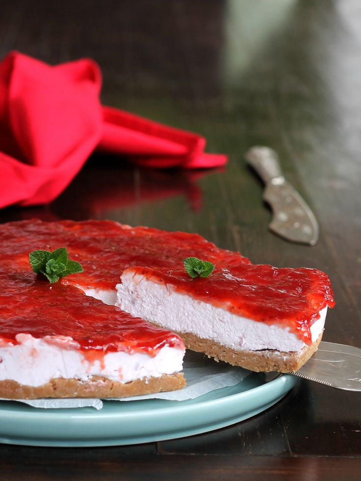 TORTA FREDDA YOGURT E FRAGOLE ricetta dessert leggero