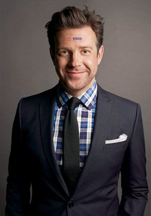 If you want to inject new life into your stable of suits, do like Jason Sudeikis. Reach for a plaid dress shirt and (always, always) pair it with a dark tie.