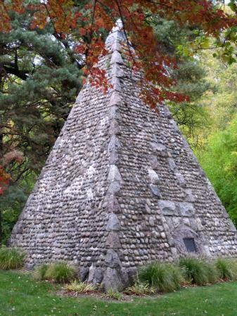 Landmark tomb - Woodlawn Cemetery Toledo Ohio