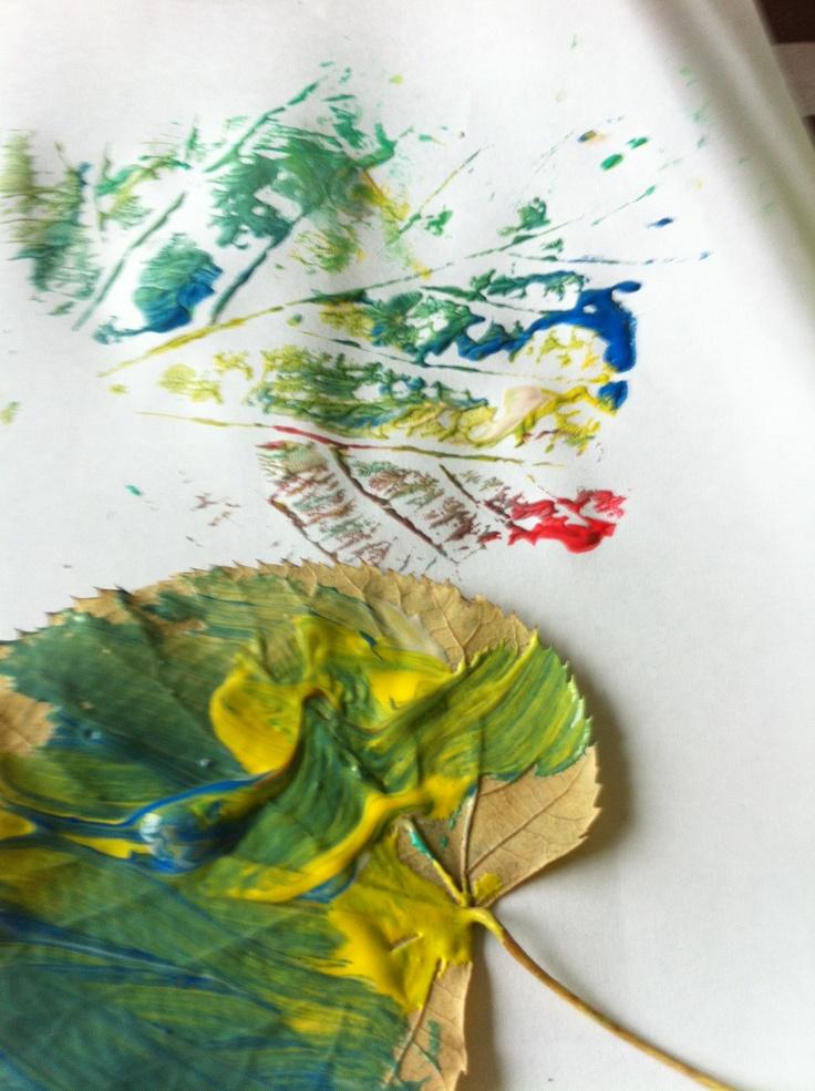 Herfstbladeren schilderen