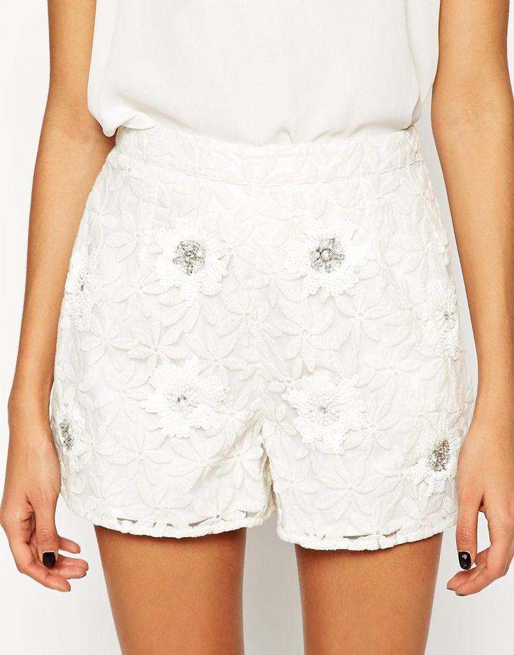 Imagen 3 de Pantalones cortos de encaje con adornos de conjunto de ASOS