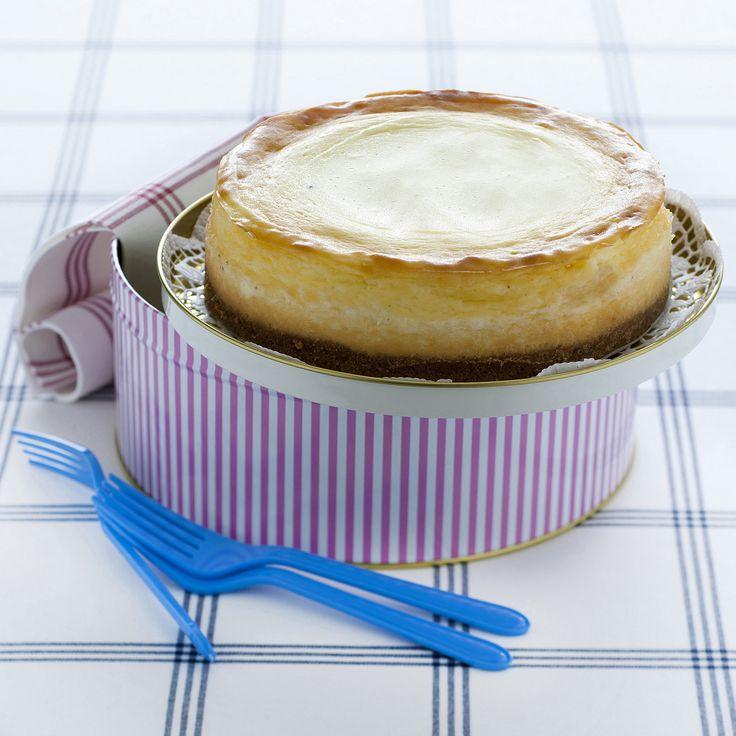 New York Cheesecake : Scopri come preparare questa deliziosa ricetta. Facile, gustosa e adatta ad ogni occasione. Questo dolce/dessert ha un tempo di preparazione di 1 ora 15 minuti.
