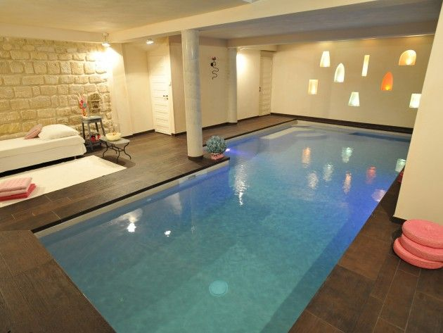 17 best images about piscines int rieures on pinterest for Construction piscine 76