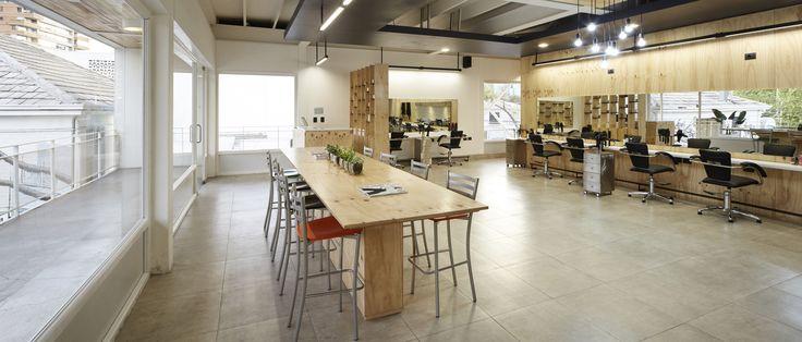 Galería de Dos ejemplos de cómo incorporar tableros de madera terciada en un proyecto de arquitectura - 3