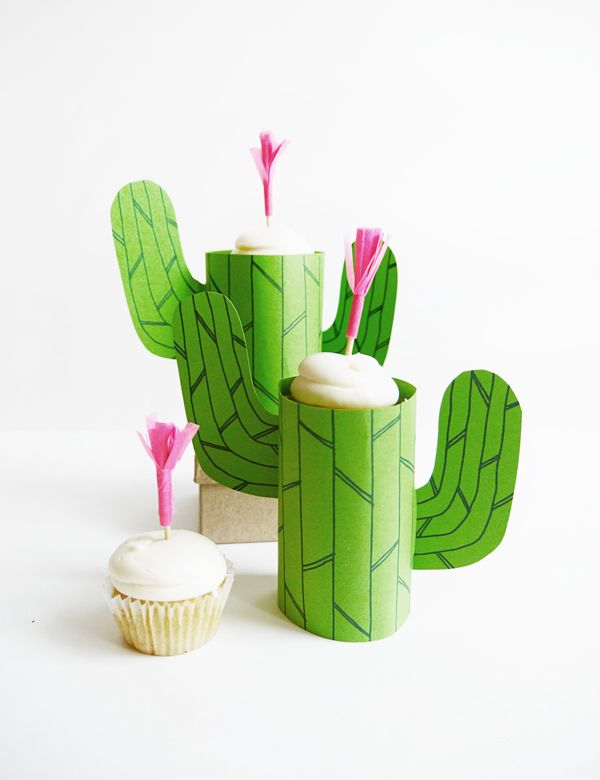 Whether you're having a desert-themed party or you just want to dress up your cupcakes then this is the the perfect thing to make -- Printable Cactus Mini-Cupcake Stand | Oh Happy Day! #cute #diy #cupcakes #party