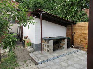 Table: cinder blocks and old door  asztal: zsalukő és öreg ajtólap  és ilyen lett :-) ideas for outdoor use  sz.marika GONDOLATOK