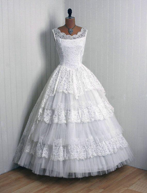 16 best wedding dresses images on Pinterest | Short wedding gowns ...