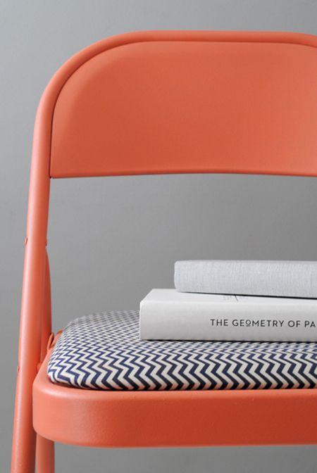 DIY – Personaliza tus sillas plegables estándar