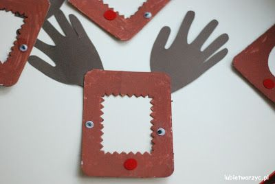 Ramka w kształcie renifera, stworzona przez dzieci ;)   #renifer #ramka #świeta #bożenarodzenie #reindeer #frame #christmas #christmasideas #christmascraft #diy #zróbtosam #handmade #tutorial #poradnik #juakzrobić #howto #sposóbwykonania #instrukcja #instruction #lubietworzyc #craft #crafts #papercraft #papercrafts #kidscraft #kidscrafts #przedszkole #kindergarten #nurseryschool #preschool