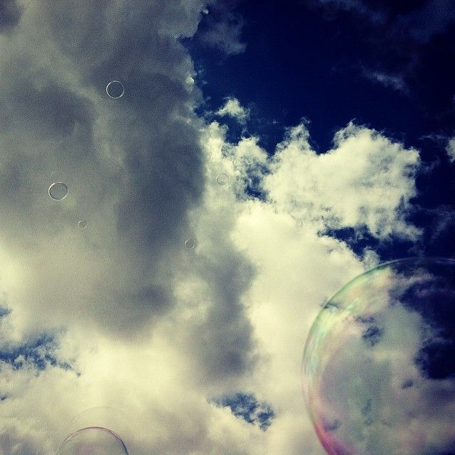 Soap Bubbles in the Berlin sky