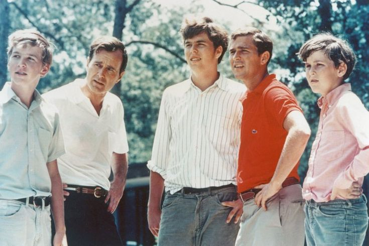 Dynasties pass on hopes and dreams - and a Patek Philippe. Father George H.W. Bush with his sons Neil, Jeb, George W. und Marvin they all focus the same goal.