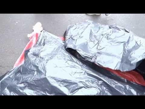 Zaostrzyć kary dla pijanych kierowców - happening/ street art Piotra Krajewskiego. Muzyka live: A.L.A.N. i Nielegalni. http://artimperium.pl/wiadomosci/pokaz/124,happening-street-art-piotra-krajewskiego-zaostrzyc-kary-dla-pijanych-kierowcow#.UuOYchCtbIU  Akcja została zaaranżowana i nikt w niej nie ucierpiał, Muzycy improwizowali a  POLICJA przyjechała naprawdę...