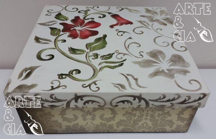 Caixa de MDF com Stencil Duplo - Flor Vermelha - Arte & Cia (fora)