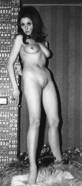 Vicky Parker Nude 10