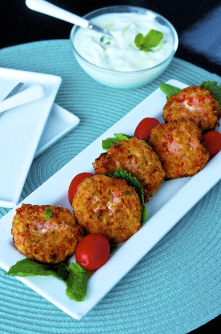 Tomatokeftedes (fried tomato balls from Santorini, Greece)