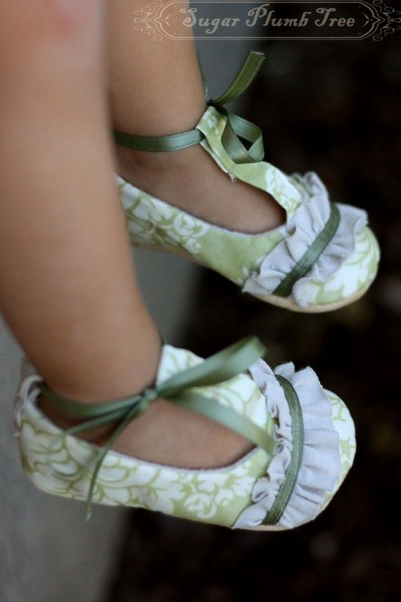 The Amy baby shoe/bootie/slipper by sugarplumbtree on Etsy, $30.00