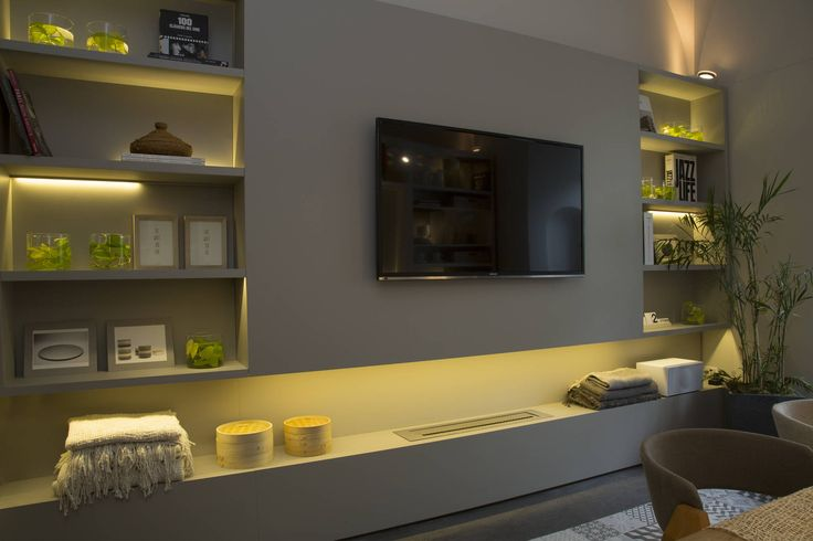 Vista mueble TV  Salas de jantar modernas por Estudio de iluminación
