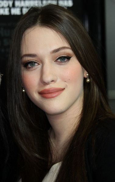 AGAIN THIS IS ANOTHER PIC OF MY MAKEUP LOOK Kat Dennings. Soft, ultra-feminine makeup to complement a GORGEOUS face!