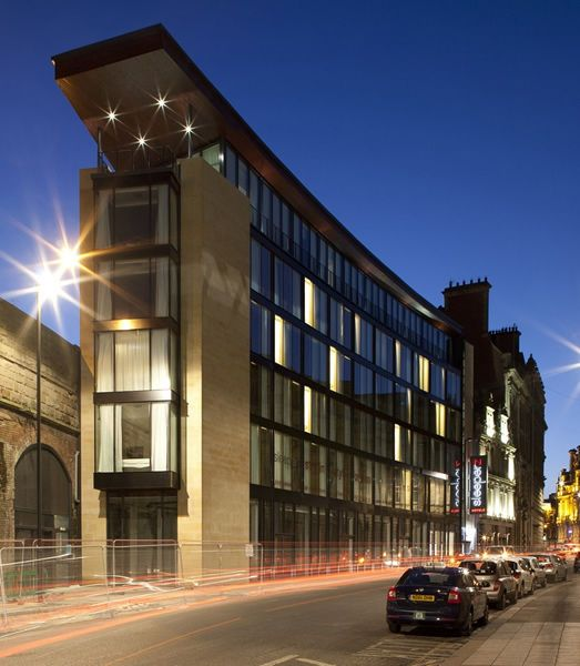 Preformed Concrete Buildings : Contemporary ecological modular prefab building for hotel