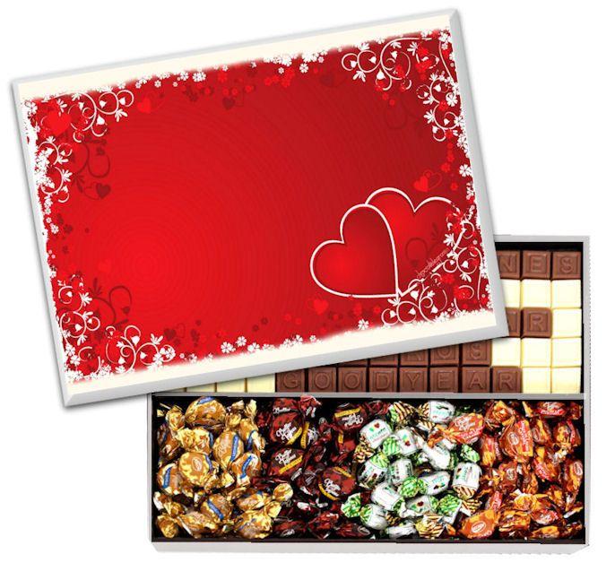 Caja Diseño Corazón. Estuche de madera con 70 chocolatitos y variedad de Butter Toffees.