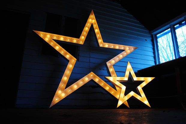 Vowed and Amazed illuminated stars - Read more on One Fab Day: http://onefabday.com/vowed-and-amazed/