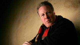 John Heard: Home Alone actor dies aged 71 - BBC News