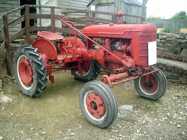Farmall Tractor Models : International model a tractor in addition to photography