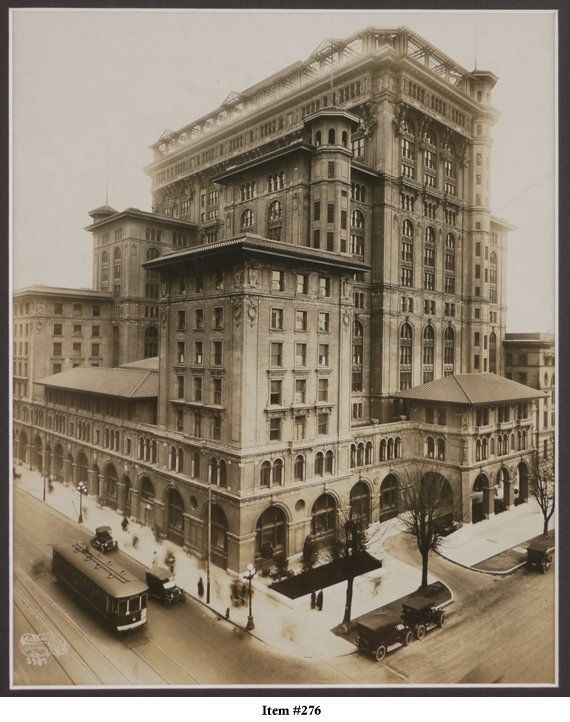 Second Hotel Vancouver (1916) at Georgia and Granville Streets.