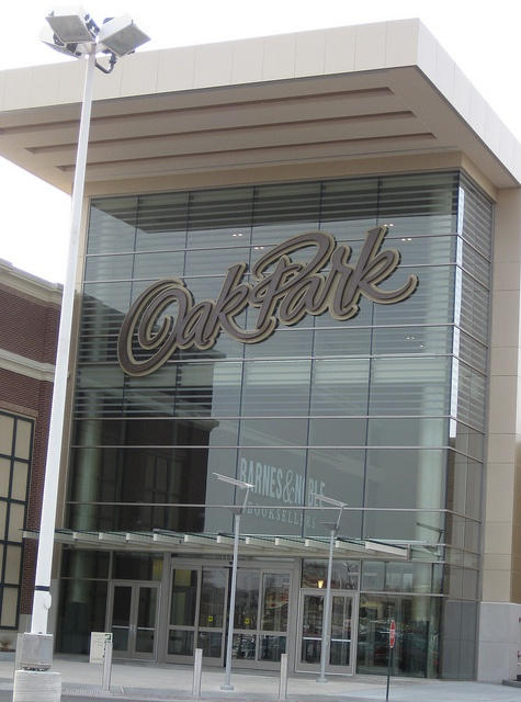 Oak Park Mall in Overland Park, KS - a shopping mecca